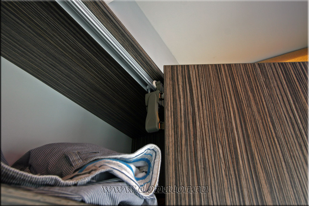 "1529) шкаф на балкон, цвет ""зебрано серо-бежевый"" :: донатор."