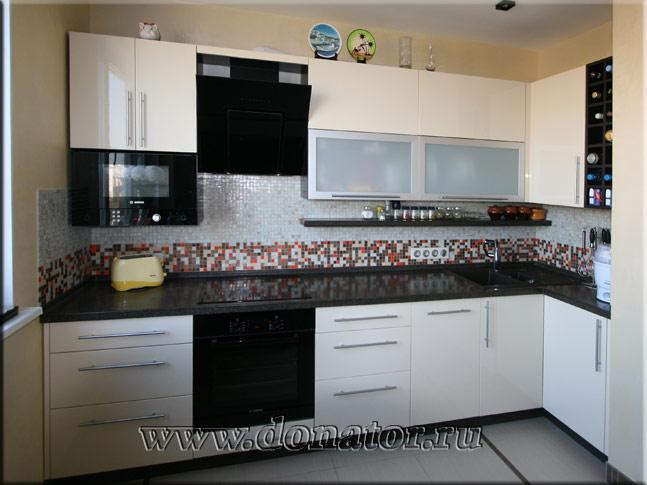 Кухня цвет ваниль столешница под камень сколько стоит столешница из керамогранита